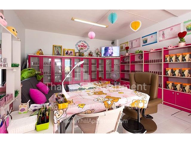 Ruen Romruen Apartment image 7