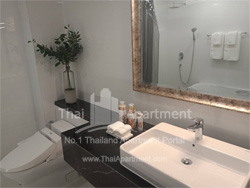 Silver Thonglor Apartment image 10