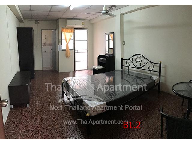 Baan Somdang Apartment image 3