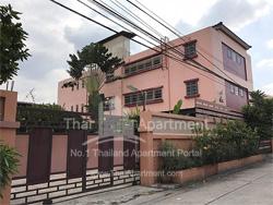 Baan Somdang Apartment image 1