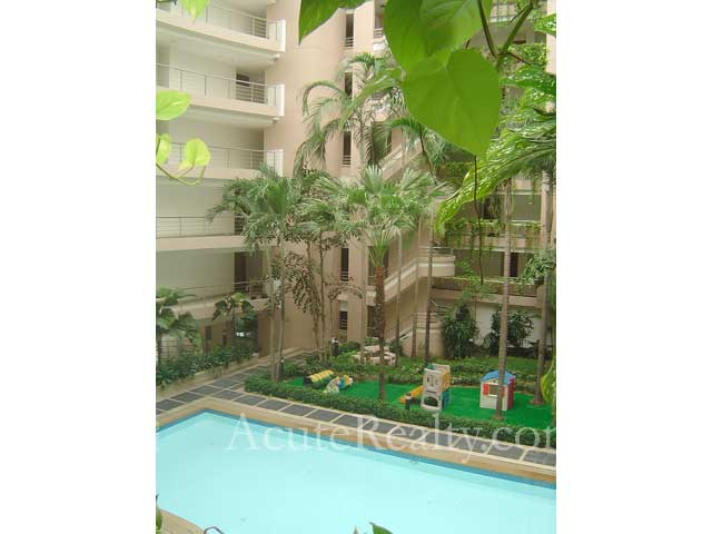 Condominium  for sale Navin Court Ruamrudee image9