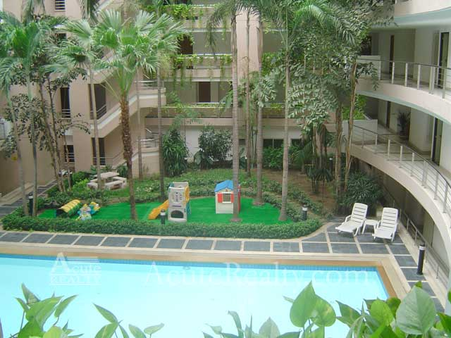 Condominium  for sale Navin Court Ruamrudee image10