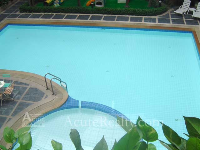 Condominium  for sale Navin Court Ruamrudee image11