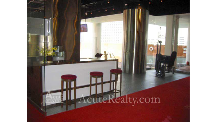 Condominium  for sale & for rent State Tower Saladang image10