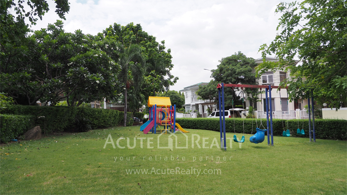 House  for sale Yothin Phatthana Rd. image42
