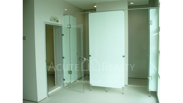 Condominium  for sale WaterMark Chaophraya Charoen Nakorn image38