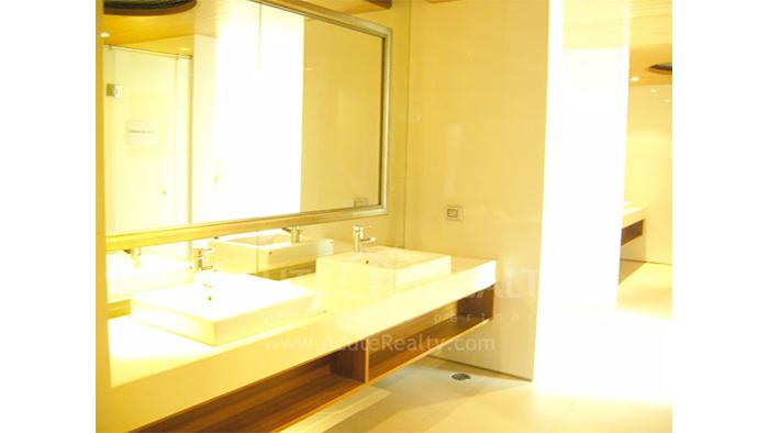Condominium  for sale WaterMark Chaophraya Charoen Nakorn image50