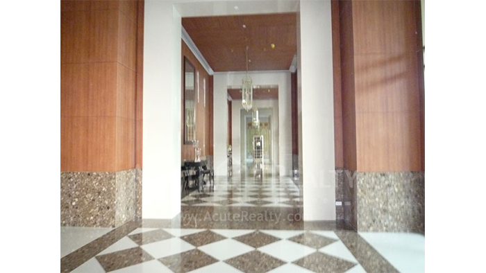 Condominium  for sale & for rent The Empire Place  Narathiwas Rd. image13