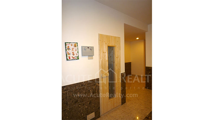 Condominium  for sale & for rent The Empire Place  Narathiwas Rd. image21