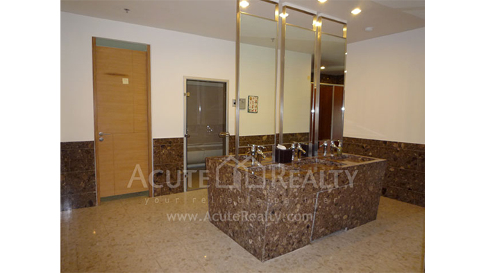Condominium  for sale & for rent The Empire Place  Narathiwas Rd. image23