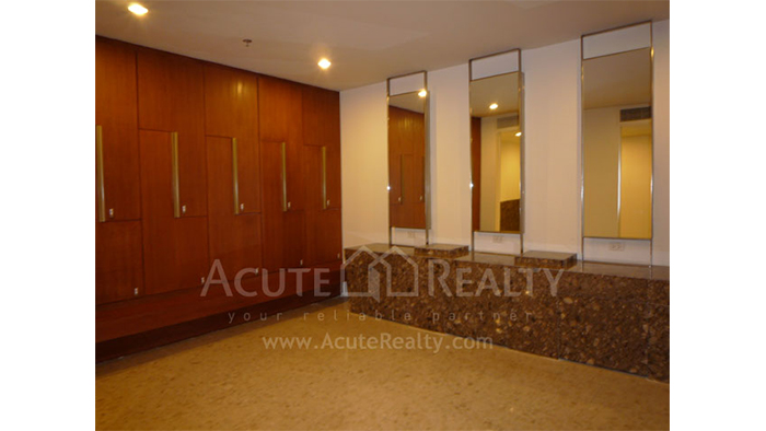 Condominium  for sale & for rent The Empire Place  Narathiwas Rd. image25